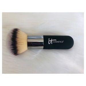 IT Cosmetics Luxe Airbrush Powder Bronzer Brush